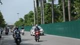 Rào chắn để xén dải phân cách đường Văn Cao và Liễu Giai, giao thông thuận lợi