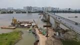 Phương tiện thủy nội địa lưu thông thế nào qua khu vực cầu Vĩnh Tuy?