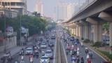 Hà Nội: Đường phố đông đúc sau khi thành phố không kiểm tra giấy đi đường