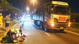 Tài xế xe tải né trạm thu phí, tông CSGT bị thương