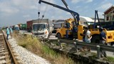 Vụ va chạm khiến 2 xe ô tô bị hư hỏng nặng