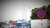 Hàng nghìn phương tiện đổ dồn về, BOT cầu Rạch Miễu buộc phải xả trạm
