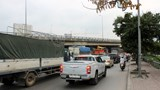 Khu vực bến xe Nước Ngầm lộn xộn ngày đầu nghỉ lễ Giỗ Tổ Hùng Vương