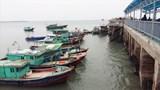 """Bão số 2 sắp đổ bộ, 1.640 du khách vẫn """"mắc kẹt"""" trên đảo Cô Tô"""