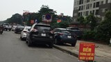 Trông giữ xe sai phép tại Linh Đàm: Rất nhiều phức tạp về trật tự, giao thông