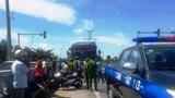 Hai xe khách chèn ép nhau gây náo loạn ở Ninh Bình sau va chạm