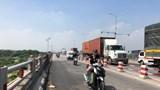Tạm sửa cầu Thanh Trì sau tai nạn kinh hoàng khiến một người rơi xuống sông