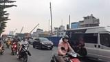 Phớt lờ quy định, đầu trần đi xe máy