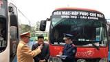 Kiểm tra đột xuất lái, phụ xe khách tại bến Giáp Bát
