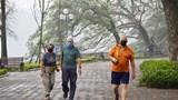 [Ảnh] Hà Nội: Du khách ủng hộ việc đeo khẩu trang ra đường