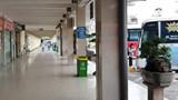 """[Ảnh] Các bến xe của Hà Nội vắng vẻ sau """"lệnh"""" hạn chế phương tiện"""