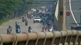 Ngày đầu giãn cách: Nhiều tuyến đường Hà Nội vẫn đông đúc