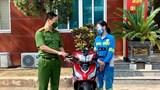 Nữ lao công bị cướp trong đêm được tặng xe máy mới