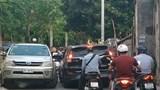 """Quận Hoàng Mai: Đường dân sinh """"nghẹt thở"""" vì ô tô"""
