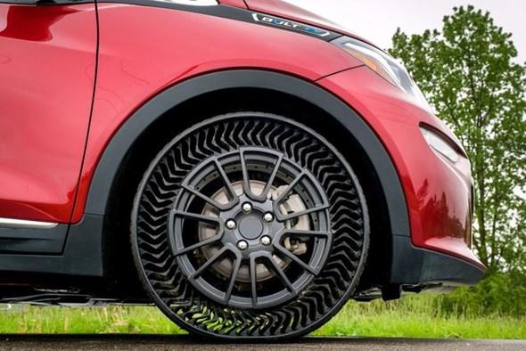 GM và Michelin thử nghiệm lốp không hơi - 2