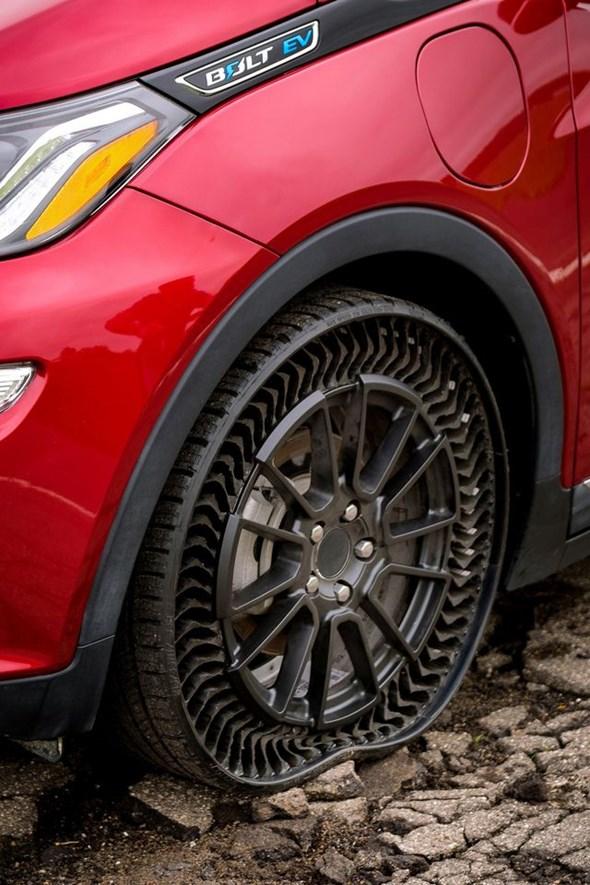 GM và Michelin thử nghiệm lốp không hơi - 4