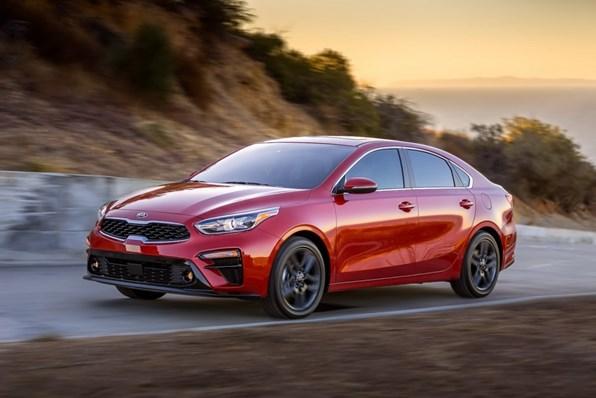 Giá xe ôtô hôm nay 4/8: Kia Cerato giảm đến 30 triệu đồng