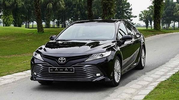 Giá xe ôtô hôm nay 16/9: Toyota Camry có giá 1,029-1,235 tỷ đồng