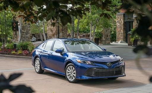 Giá xe ôtô hôm nay 11/10: Toyota Camry có giá 1,029-1,235 tỷ đồng