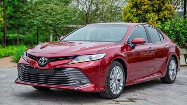 Giá xe ôtô hôm nay 19/12: Toyota Camry có giá 1,029-1,235 tỷ đồng