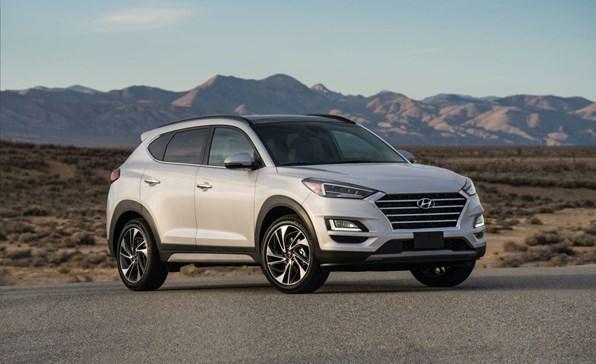 Giá xe ôtô hôm nay 23/12: Hyundai Tucson dao động từ 799-940 triệu đồng
