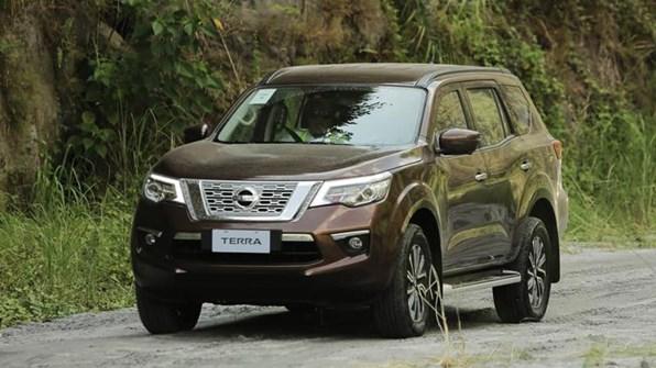 Giá xe ôtô hôm nay 6/1: Nissan Terra dao động từ 899-1.098 triệu đồng