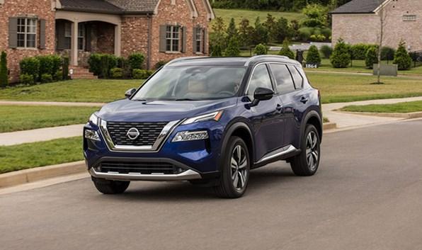 Giá xe ôtô hôm nay 12/1: Nissan X-Trail giảm đến 30 triệu đồng