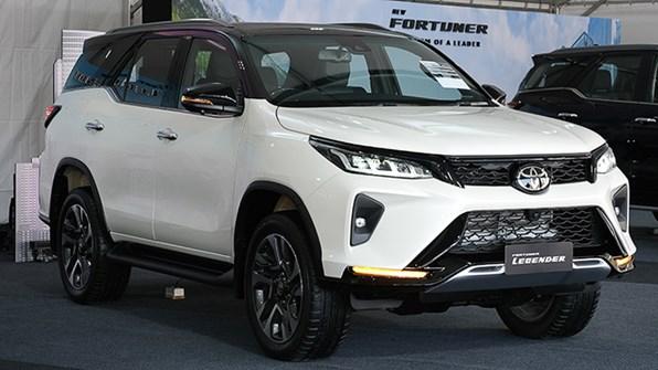 Giá xe ôtô hôm nay 13/1: Toyota Fortuner dao động từ 995 - 1.426 triệu đồng