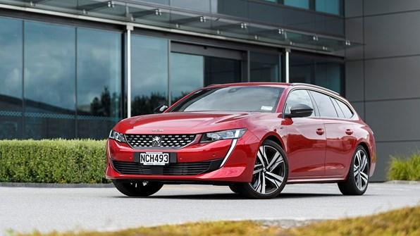 Giá xe ô tô Peugeot tháng 6/2021: Dao động từ 739 triệu - 2,089 tỷ đồng