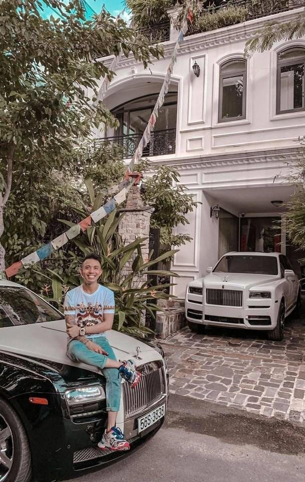 Siêu xe Rolls-Royce Cullinan hơn 40 tỷ chính thức về tay Minh Nhựa