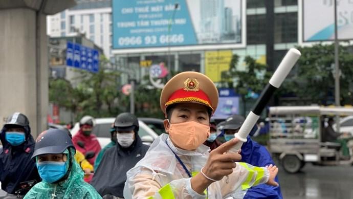 Quận Thanh Xuân: Một tháng xử lý 70 trường hợp vi phạm trật tự an toàn giao thông