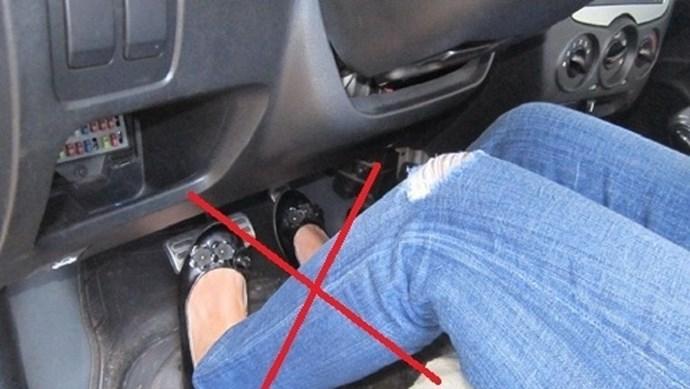 5 lỗi cơ bản khi sử dụng ô tô số tự động