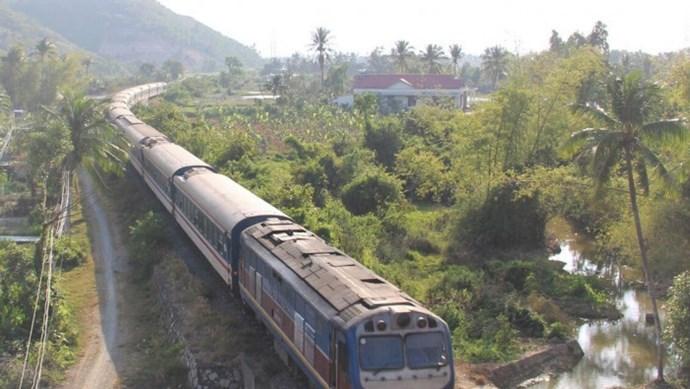 Thủ tướng yêu cầu rà soát đánh giá tác động của Quy hoạch đường sắt, hạ tầng đường thủy nội địa