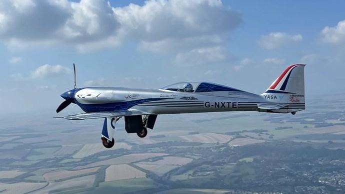 Máy bay điện của Rolls-Royce đã hoàn thành chuyến bay đầu tiên